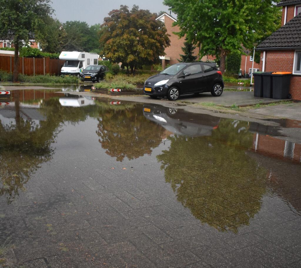 Wateroverlast in wijk De Stouwe Wierden in augustus 2020.