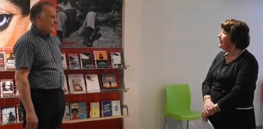 Pieter Jan Huysse van bibliotheek Wierden en Roselien Slagers van Progressief Wierden